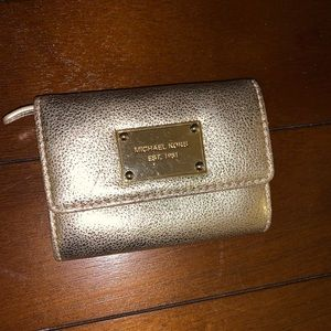 Gold Michael Kors Card Case💫
